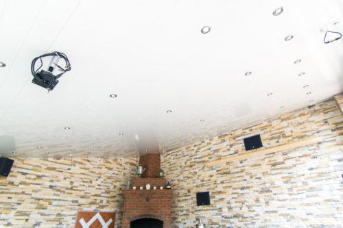 Реечный потолок зоны барбикю. USA Ceiling Group.
