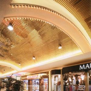 Реечный потолок в торговом центре. USA Ceiling Group.